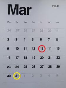 widok kartki z kalendarza z marca 2020 z zaznaczoną na czerwoną datą 13 marca czyli wejścia w życie specustawy i na żółto 31 marca czyli dnia podpisania specustawy